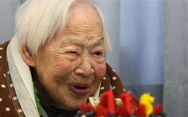 Cea mai bătrână femeie din lume dezvăluie cele două secrete ale longevității ei