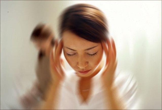 Ce boli ascund simptomele banale precum amețeala și transpirarea palmelor