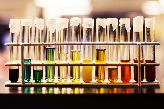 Culoarea urinei îți arată dacă ai o infecție urinară sau cancer vezical