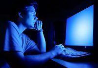 Grave consecințe dacă te expui la lumina albastră! De ce este atât de periculoasă?