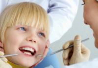 Copiii la stomatolog – cand, cum si de ce?
