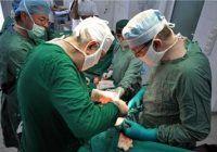 """Operație în premieră la """"Marie Curie"""". Medicii au realizat implantarea bilaterală cu un nou tip de implant cohlear"""