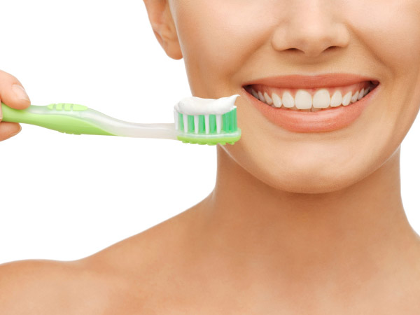 Un ingredient din pasta de dinți și din guma de mestecat este la fel de otrăvitor ca mercurul și plumbul. Era folosit ca insecticid