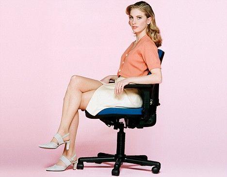 Stai mult pe scaun? Iată ce probleme de sănătare te pasc