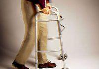 O boală a bătrâneții atacă din ce în ce mai mulți tineri