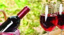 """Vinul  roșu, """"medicamentul"""" natural care ține cancerul și bătrânețea la distanță"""