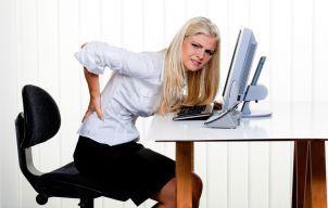 Trei exerciții simple care te scapă de durerile de spate
