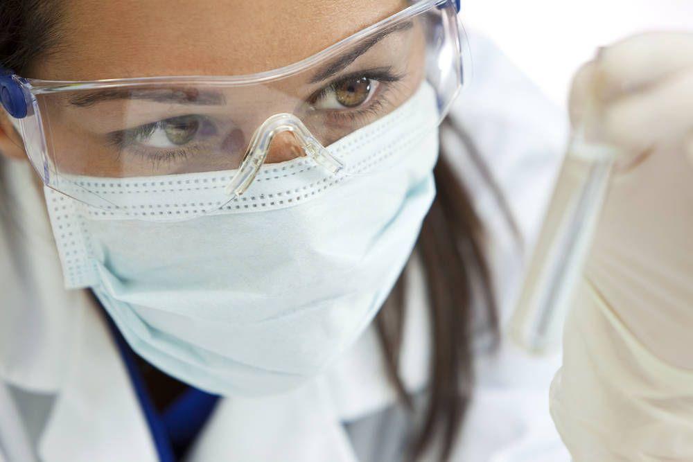 Primul deces provocat de virusul gripei aviare H5N6