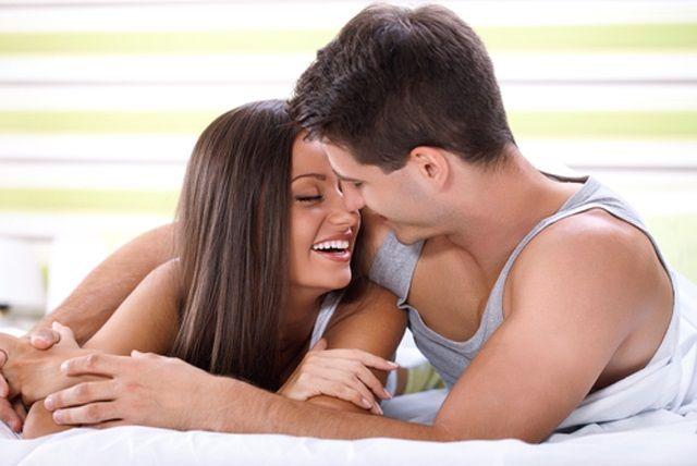 De ce îți apar coșuri și slăbești când ești îndrăgostit?