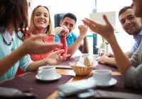 ^ A frecventa un cerc de prieteni greșit vă poate afecta serios stima de sine. Amicii adevărați trebuie să vă asculte  și să vă trateze cu respect