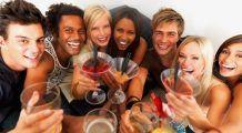 Tinerii, cei mai afectaţi de eroziunea acidă: au dinţi îngălbeniţi şi smalţ vulnerabil. CUM se POT PROTEJA