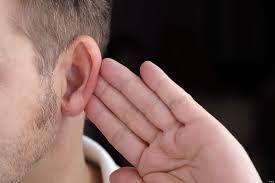 Un implant revoluţionar a reuşit să redea auzul unui tânăr surd