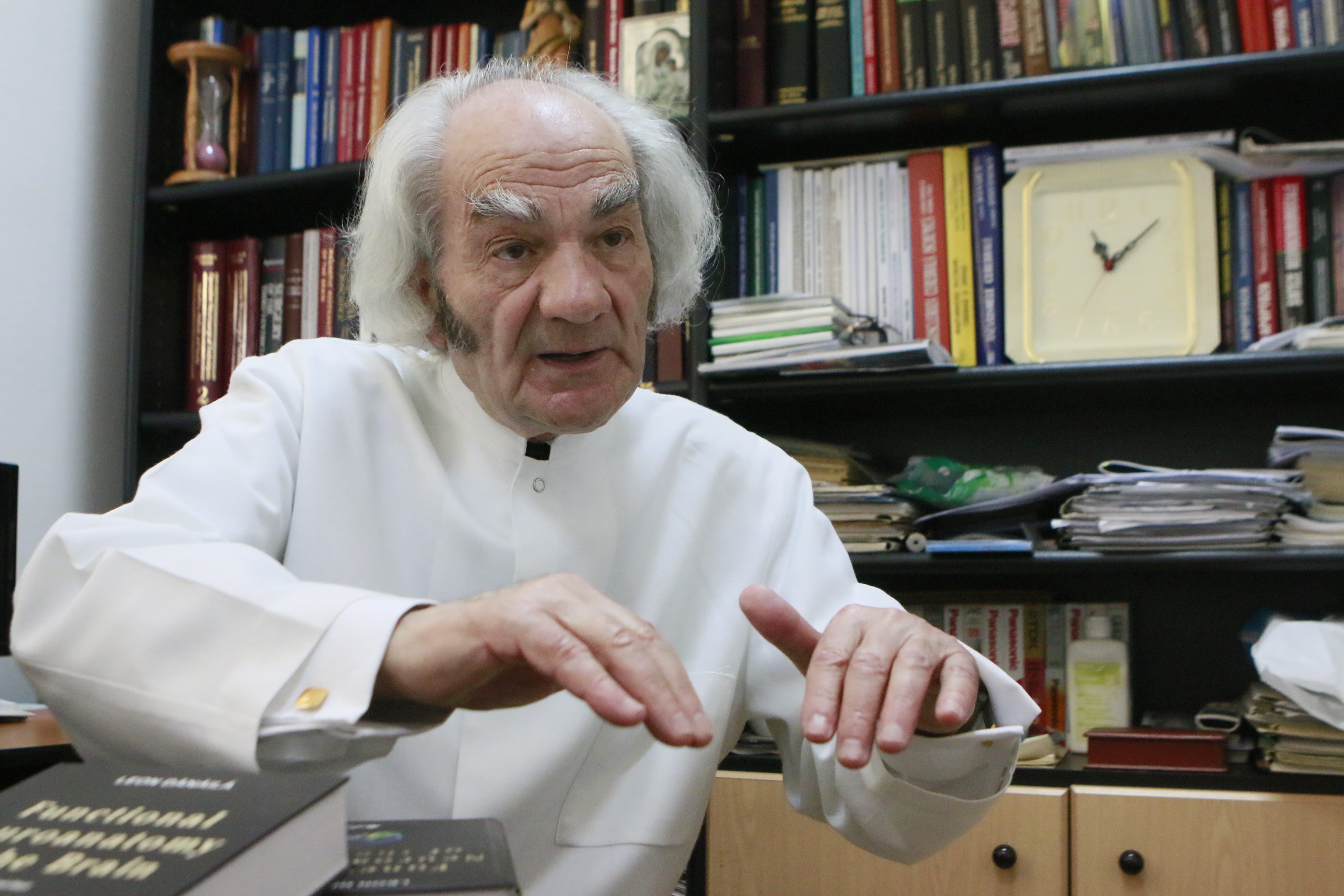 """Acad. Prof. Dr. Leon Dănăilă: """" Credința în Dumnezeu îi dă bolnavului o imunitate mai bună"""""""