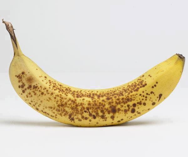 Bananele cu coaja pătată combat cancerul. Mit sau realitate?