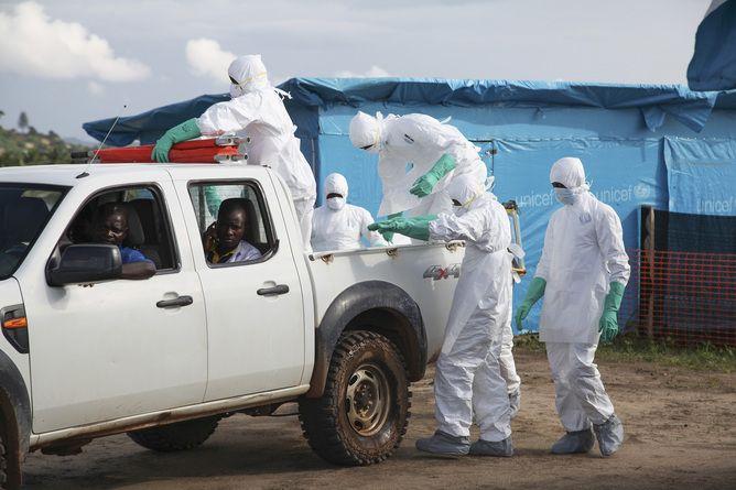 Ce trebuie să facă cei care vin din țări afectate de Ebola
