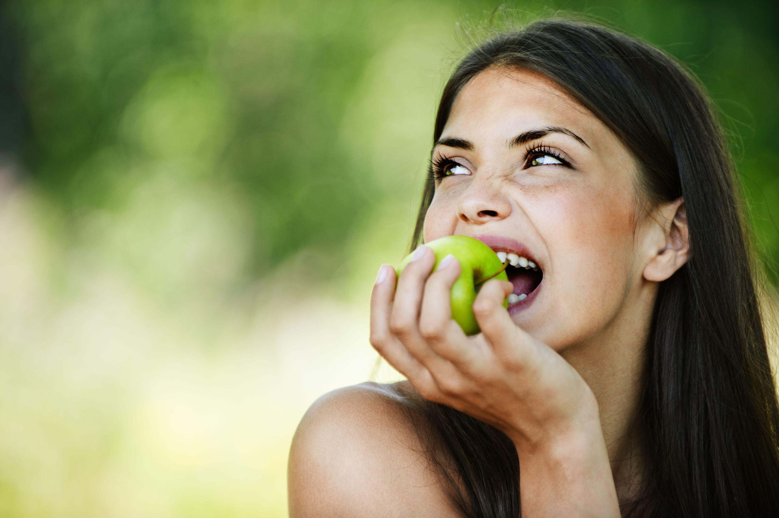 Fructul ideal în orice anotimp. Ține la distanță cancerul și diabetul și scade pofta de mâncare