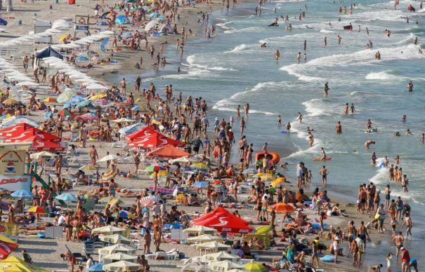 Apa mării din Bulgaria, posibil infectată cu un virus, din cauza inundațiilor