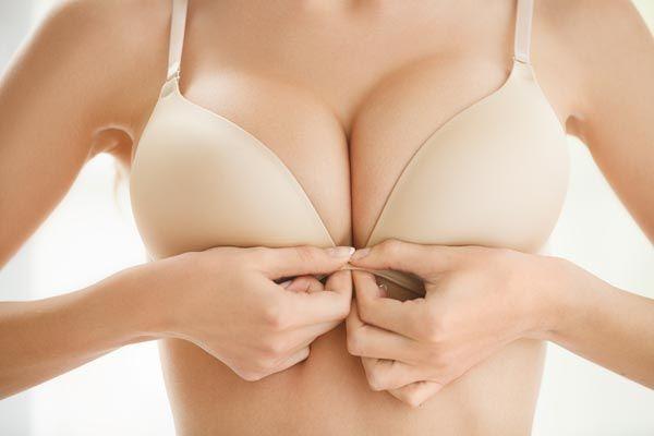 Cum e mai sănătos, cu sutien sau fără? PLUS: ce cauzează lăsarea sânilor