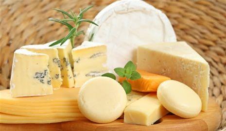 Care sunt cele mai sănătoase tipuri de brânză și cât e indicat să consumați zilnic??