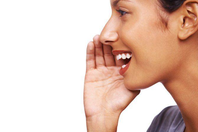 Ai vocea răgușită? Iată de ce boli suferi