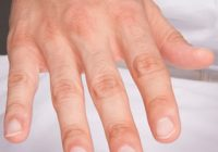 Indiciul care îl dă de gol. Ce afli despre un bărbat doar privindu-i mâinile?