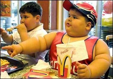 Greseala tuturor parintilor care duce la obezitatea copiilor