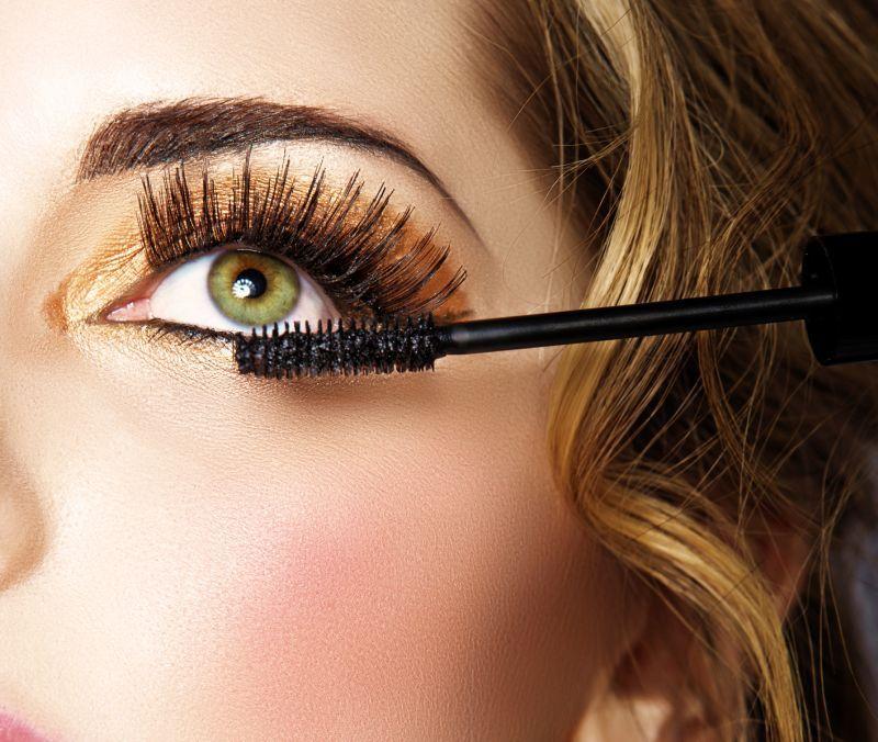 Cum aplici mascara, in functie de forma ochilor