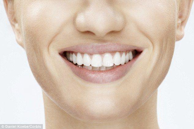 Apa de gură și periuțele scumpe nu au niciun efect. Ce trebuie să faci, de fapt, ca să nu-ți pierzi dinții