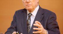 """Prof. dr. Nicolae Hâncu: """"Acest aliment foarte bine echilibrat nutrițional ajută la slăbit, mai ales în zona abdomenului"""""""