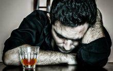 """Sevrajul alcoolic este dificil de gestionat. Medic: """"În situația aceasta, iese animalul din om!"""""""