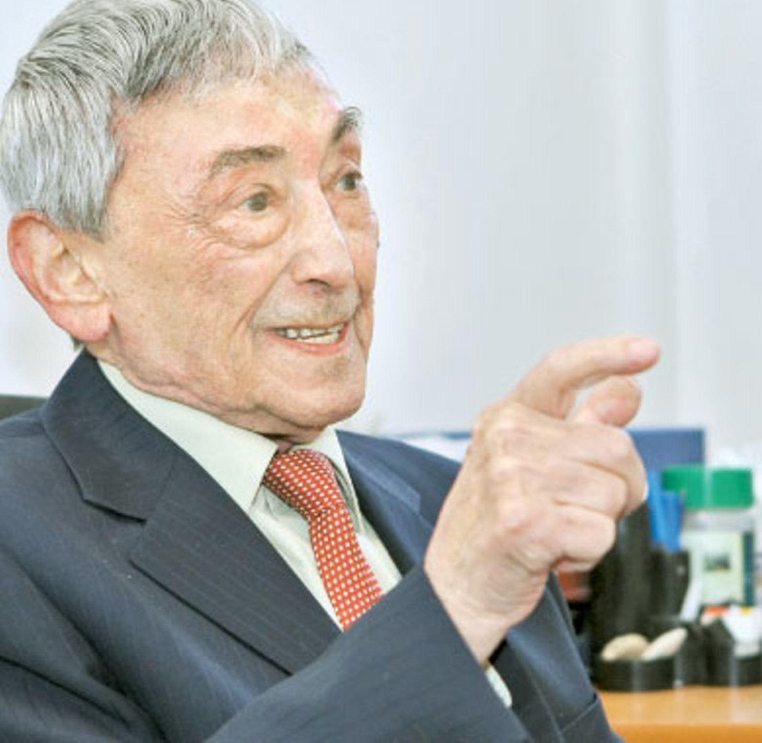 """Ovidiu Bojor, inventatorul fitoterapiei moderne în România: """"Mare greşeală este că unii sunt carnivori, alţii vegetarieni. Avem nevoie de o alimentație omnivoră"""""""