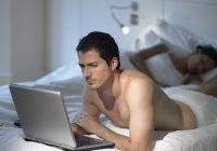 Ce se spune despre bărbații care se uită la filme porno?