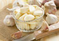 Cel mai puternic medicament natural. Ce boli tratează și previne usturoiul consumat pe stomacul gol?