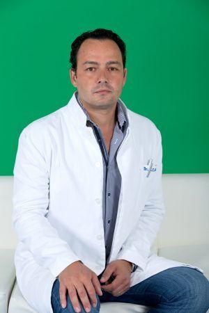"""Dr. Cătălin Badiu: """"Îmi doresc să pot «lua o piatră de pe inima» pacienţilor mei. Să-i pot trata de afecţiunile cardiace"""""""