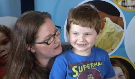 Primul pancreas artificial din lume, conectat unui băiețel de patru ani