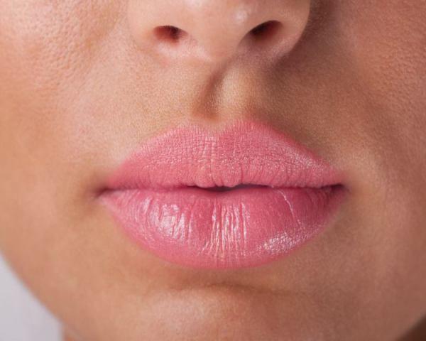 Cum îți protejezi buzele în anotimpurile reci. Plus – măști pentru buze