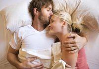 De ce se îndrăgostesc femeile după ce fac amor?