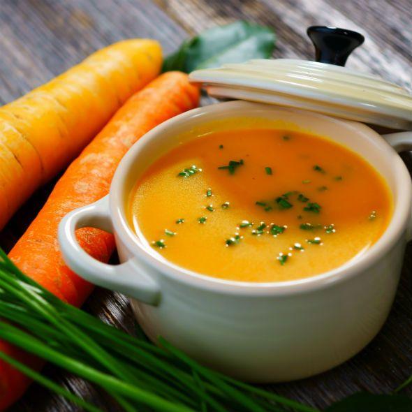 Supa care curăță organismul de toxine și topește grăsimea