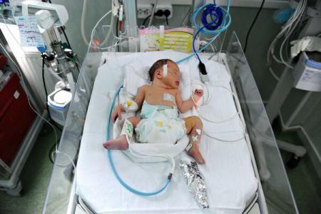 Controale la Spitalul din Zărnești după ce un nou-născut ar fi fost grav rănit imediat după naștere