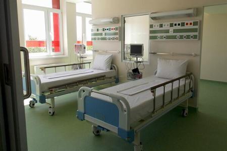 O bătrână a fost găsită moartă de frig după ce medicii au lăsat-o să plece din spital în papuci și pijama