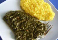 Mâncare de ștevie cu mămăligă. Sursa pozei: bucataras.ro.