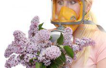 Expunerea la polenul provenit de la pomi, iarbă sau de pe anumite plante poate provoca scurgeri nazale, precum şi iritaţii ale nasului şi ochilor.