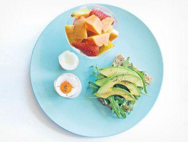 Micul-dejun ideal: ce trebuie să conțină prima masă a zilei