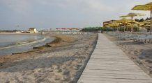 Pleci la mare de 1 Mai? Atenție la nisipul și apa rece avertizează medicul
