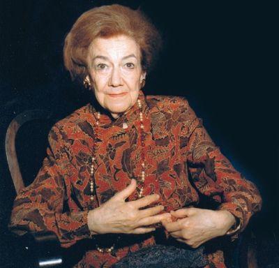 """Cum ajutăm """"păcălim"""" bătrânețea Terapia anti-îmbătrânire pusă la punct de Ana Aslan"""