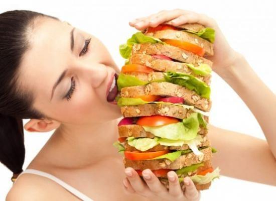 Foamea fizică vs. foamea emoțională. Cum îți dai seama de diferență?