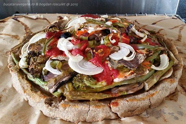 Pizza vegetariană Sursa:www.bucatariavegana.ro