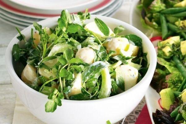 Cum faceți salata mai sănătoasă. Trucul simplu la îndemâna oricui