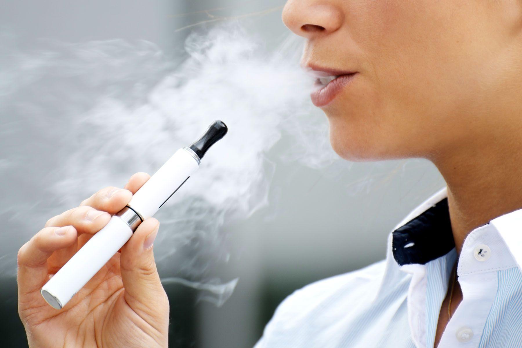 Țigările electronice - soluție salvatoare sau pericol pentru fumători