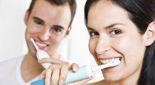 8 lucruri pe care cuplurile nu ar trebui să le împartă. Plus, afecțiuni și boli care se transmit prin folosirea acelorași obiecte